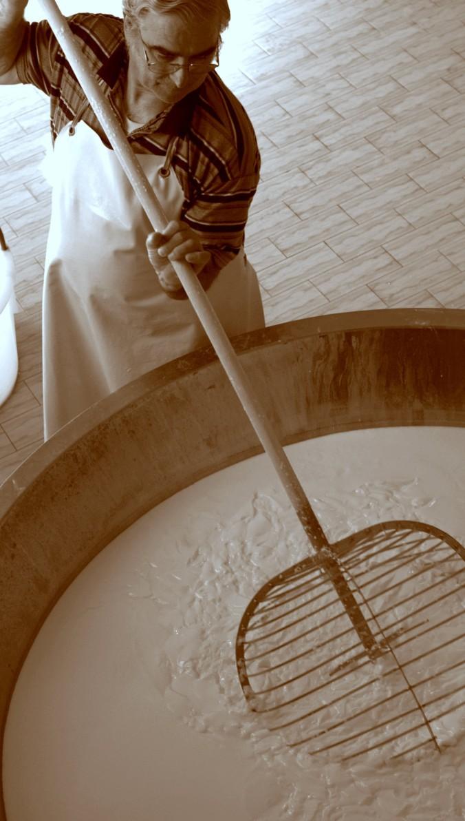 cropped-spinola-parmigiano-reggiano-parma-golosa.jpg